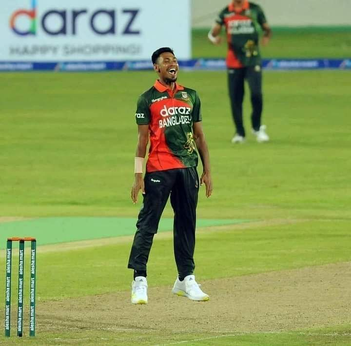 Mustafizur Rahman returned with figures of 0/9 in his four overs