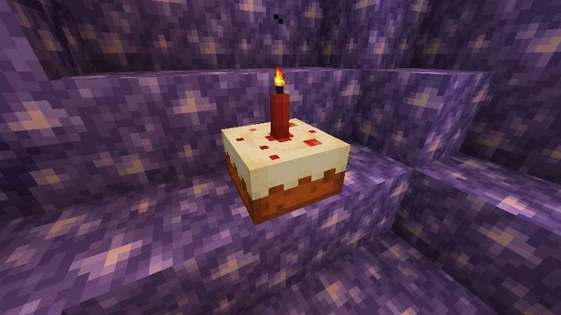 Candle on Cake (Image via Minecraft)