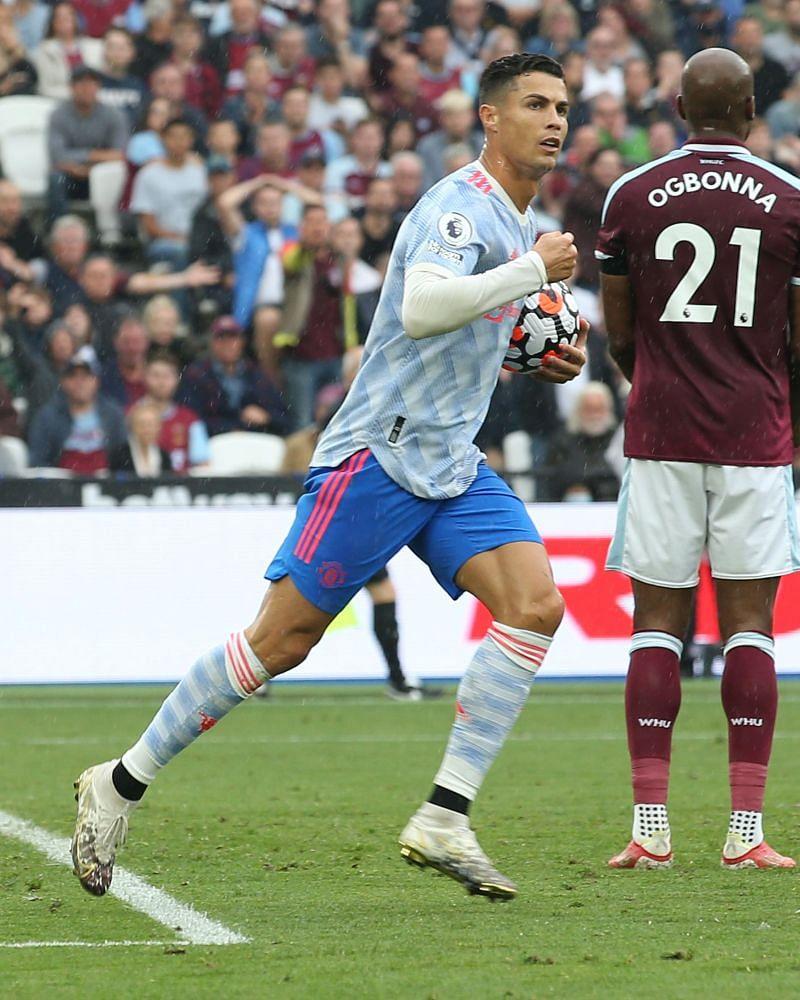 रोनाल्डो ने यूनाईटेड के लिए इस लीग में तीसरा गोल किया।