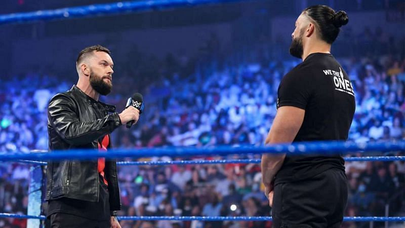 WWE Smackdown में हुआ रोमन रेंस और फिन बैलर का मैच