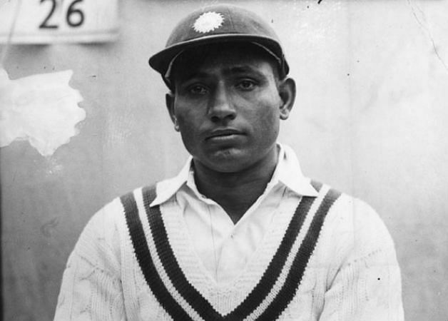 लाला अमरनाथ मध्यम गति के गेंदबाज थे