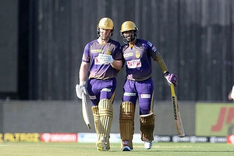 Eoin Morgan and Dinesh Karthik. Pic: IPLT20.COM