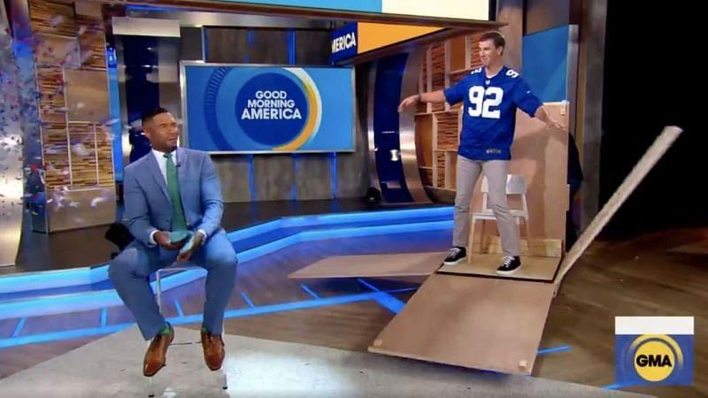 Eli Manning surprises former Giants teammate <a href='https://www.sportskeeda.com/player/michael-strahan' target='_blank' rel='noopener noreferrer'>