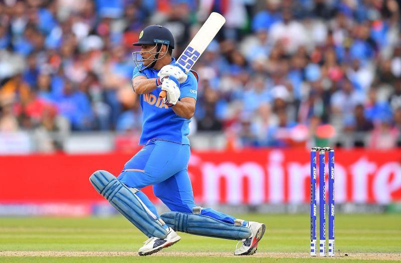 महेंद्र सिंह धोनी टी20 वर्ल्ड कप के लिए रहेंगे टीम के साथ