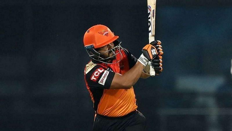 केदार जाधव आईपीएल में सनराइजर्स हैदराबाद टीम का हिस्सा हैं