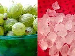 आंवला चूर्ण और मिश्री खाने के फायदे (फोटो - boldsky)