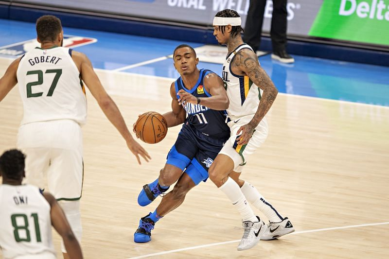 Theo Maledon (with ball) with the OKC Thunder