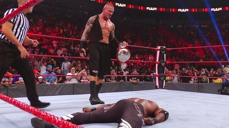 WWE Raw के दो सुपरस्टार्स रैंडी ऑर्टन और बॉबी लैश्ले