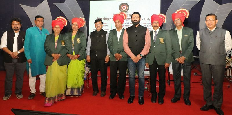 Fit India Brand Ambassador Dr Arjunsinh Rana (4th from right) during Maitree Parivar function in Nagpur