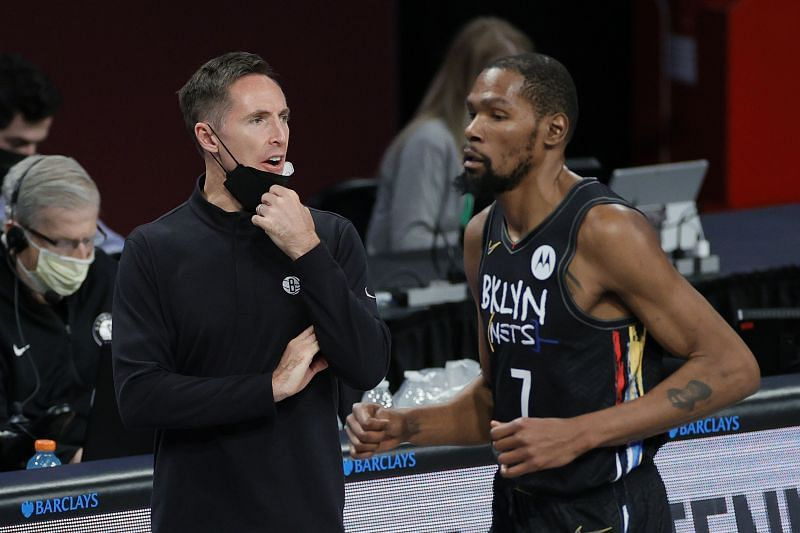 Steve Nash (left) with Kevin Durant (right)