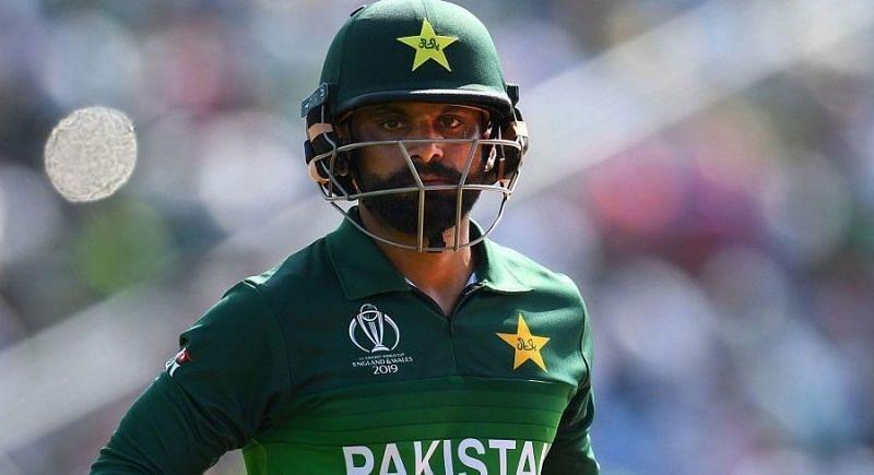 मोहम्मद हफीज पाकिस्तान के दिग्गज ऑलराउंडर खिलाड़ी हैं