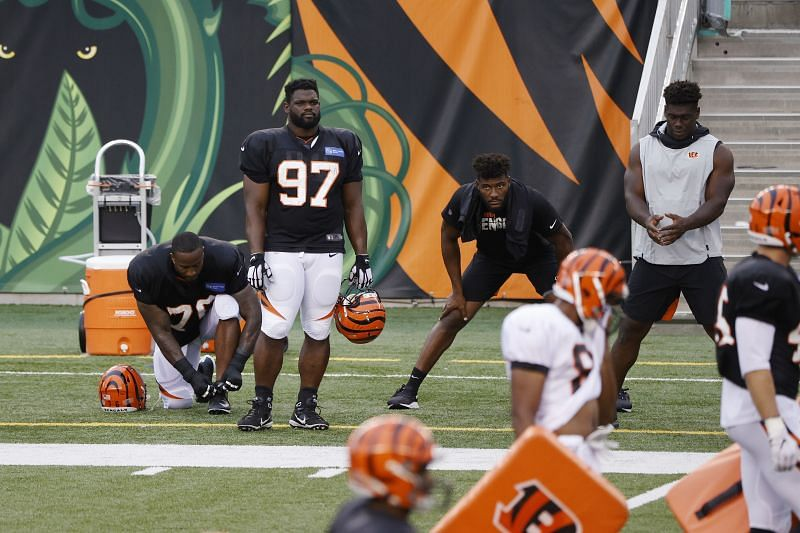 #97 Geno Atkins remains unsigned after Week One of the 2021 season