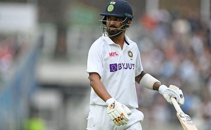केएल राहुल बेहतर बल्लेबाजी कर रहे थे