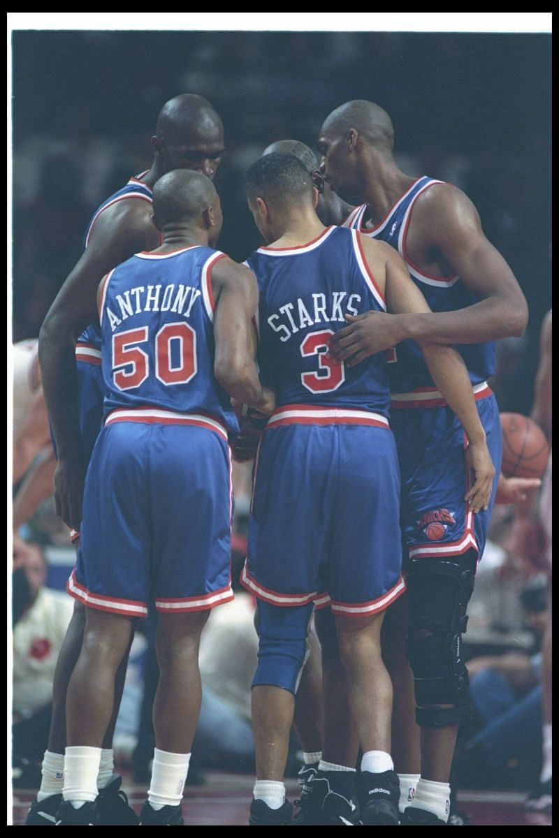 The New York Knicks huddle up during a game against the Chicago Bulls