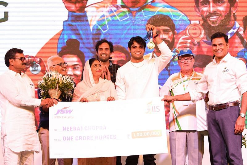 India's gold medal winner at the Tokyo Olympics, Neeraj Chopra, being felicitated by the JSW ISS.