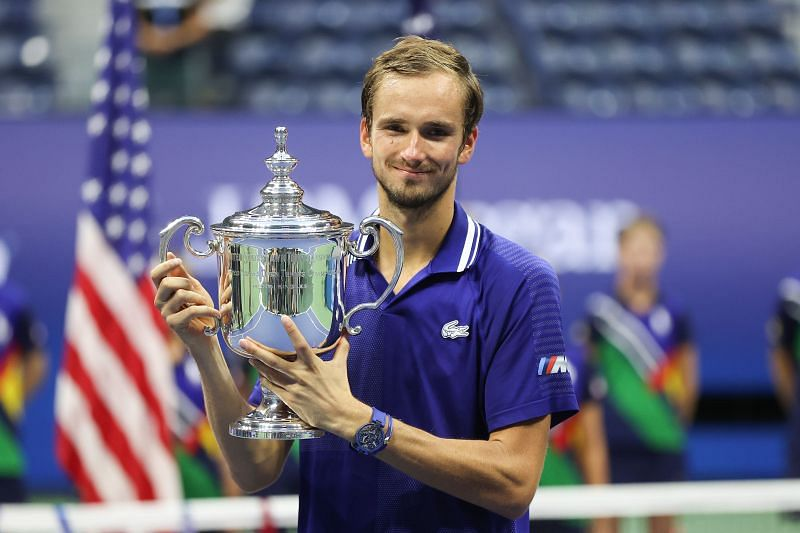 Daniil Medvedev with the 2021 US Open trophy