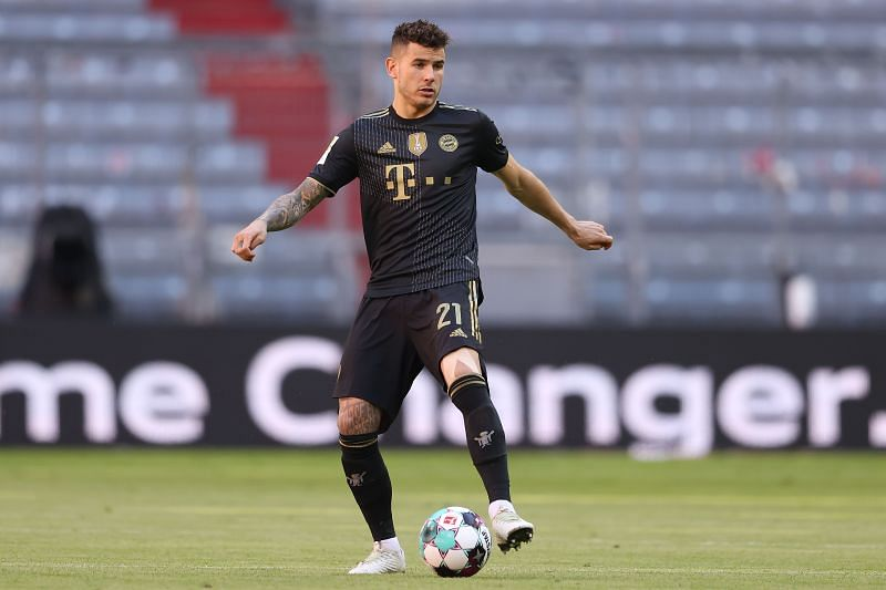 Lucas Hernandez - FC Bayern Muenchen vs FC Augsburg - Bundesliga