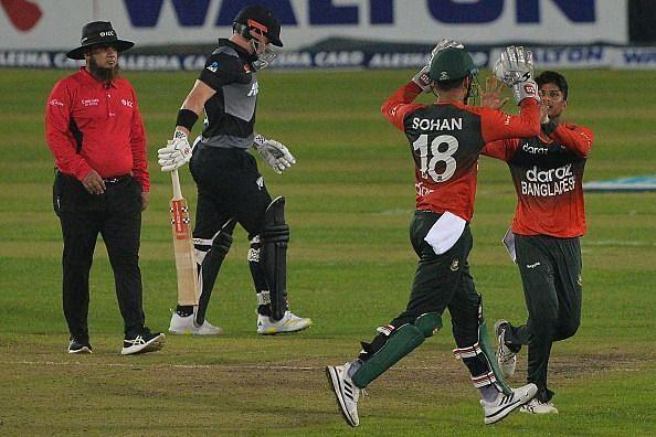 न्यूजीलैंड की टीम अंतिम ओवर में जरूरी रन नहीं बना पाई