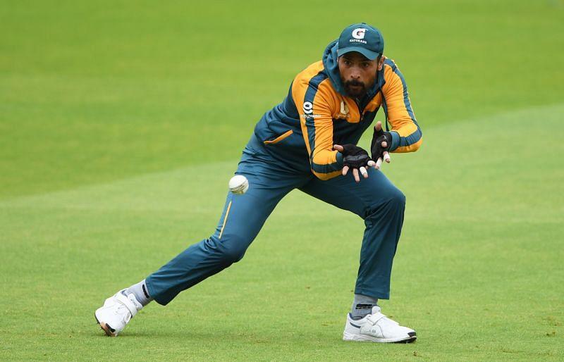 मोहम्मद आमिर ने किसी जूनियर को अनुबंध देने का आग्रह किया है