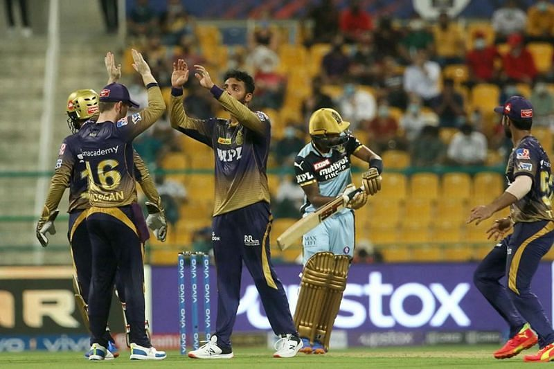 Varun Chakravarthy celebrates the wicket of Wanindu Hasaranga. Pic: IPLT20.COM