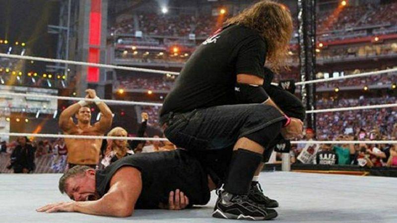 WWE में विंस मैकमैहन ने फैंस को अच्छे मैच देने के लिए खुद को भी चोटिल किया है