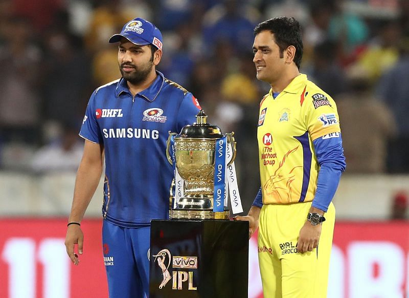 Rohit Sharma (L) & MS Dhoni are captains of their respective IPL teams