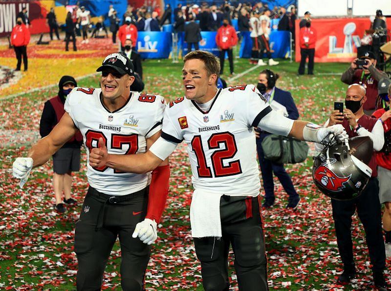 Rob Gronkowski and Tom Brady celebrating