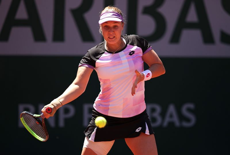 Anna Blinkova in action at the 2021 French Open.
