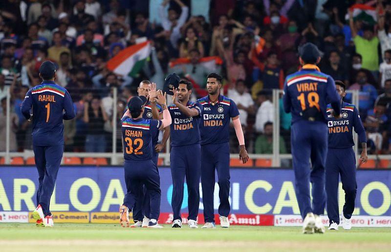 भारतीय टीम में विशेषज्ञ बल्लेबाजों की कमी दिखाई देती है