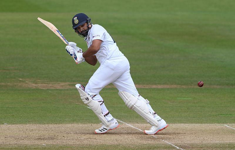 रोहित शर्मा ने दूसरी पारी में अभी तक अच्छी बल्लेबाजी की है