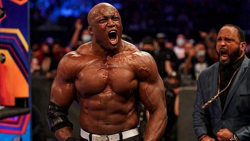 WWE Raw में बिग ई ने अपना मनी इन द बैंक ब्रीफकेस कैश इV किया