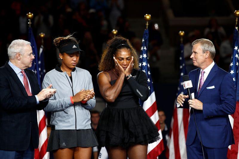 <a href='https://www.sportskeeda.com/player/naomi-osaka' target='_blank' rel='noopener noreferrer'>Naomi Osaka</a> and <a href='https://www.sportskeeda.com/player/serena-williams' target='_blank' rel='noopener noreferrer'>Serena Williams</a> during the 2018 <a href='https://www.sportskeeda.com/go/us-open' target='_blank' rel='noopener noreferrer'>US Open</a> trophy ceremony
