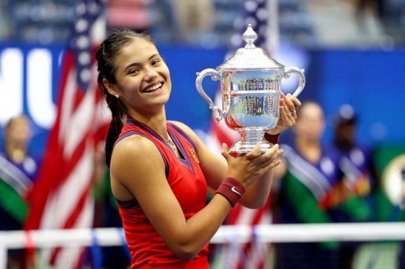 18 साल की एम्मा रदुकानु ने इसी साल बतौर क्वालिफायर यूएस ओपन का खिताब जीता।