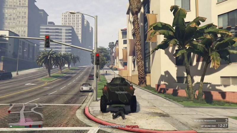A GTA Online player defeating a God mode abuser with a simple trick (Image via Rockstar Games)
