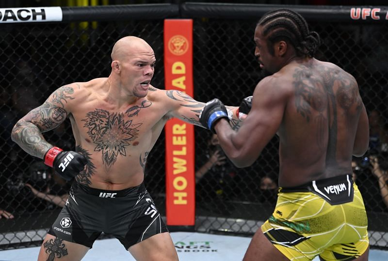 Anthony Smith wasn't willing to let his grudge against Ryan Spann go even after choking him out