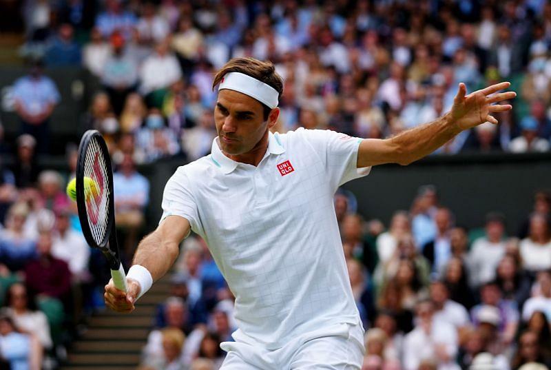 Roger Federer prepares to strike a backhand