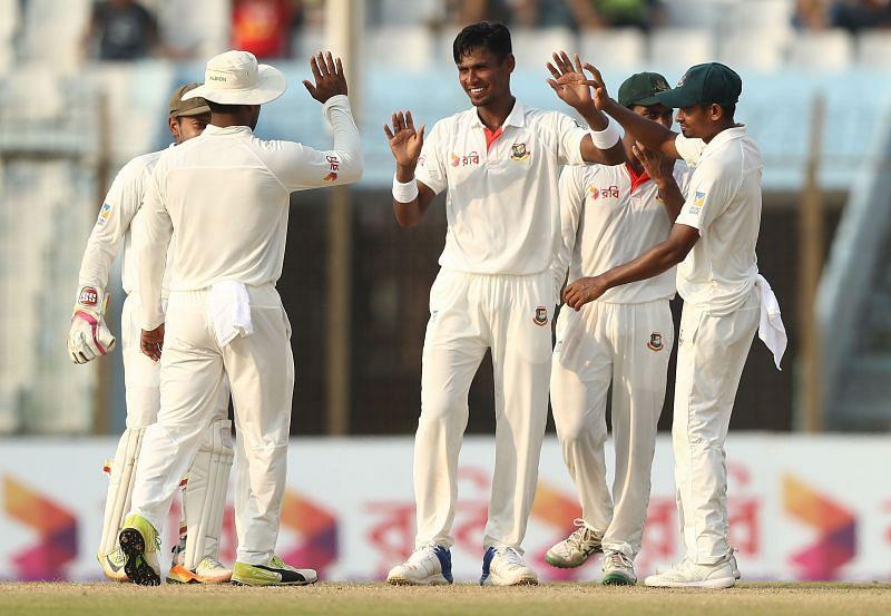 Bangladesh v Australia - 2nd Test: Day 3