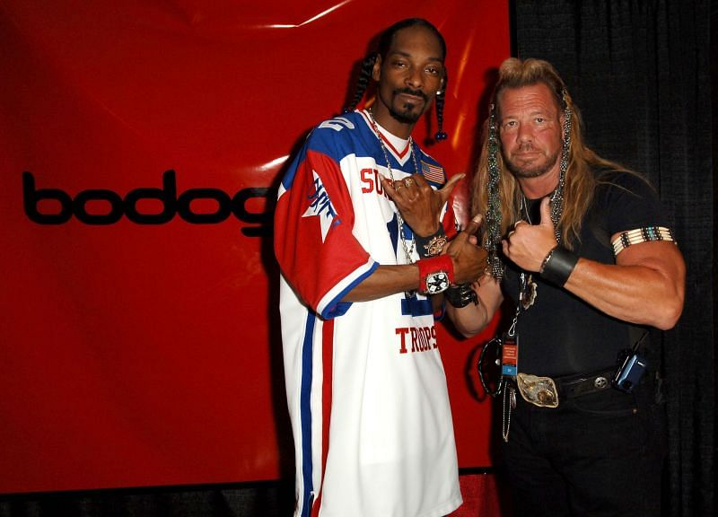 Dog the Bounty Hunter with Snoop Dogg. (Image via Getty Images)