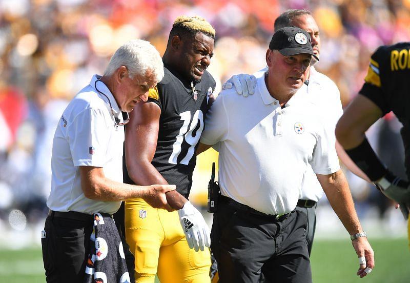 Denver Broncos v Pittsburgh Steelers - WR JuJu Smith-Schuster injured his shoulder