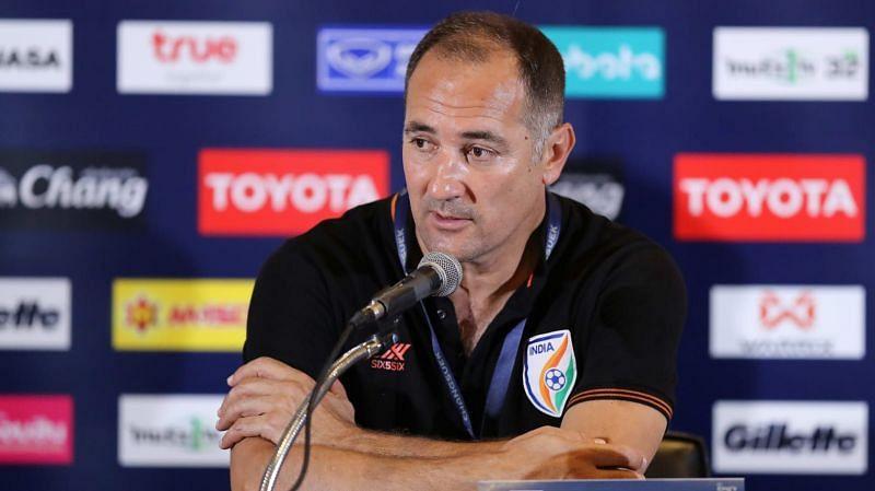 टीम के खराब प्रदर्शन के बाद फैंस कोच स्टिमाक के इस्तीफे की मांग कर रहे हैं।