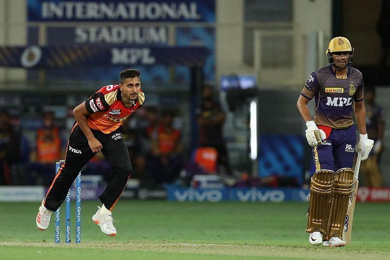 उमरान मलिक गेंदबाजी के दौरान (Photo Credit - IPLT20)