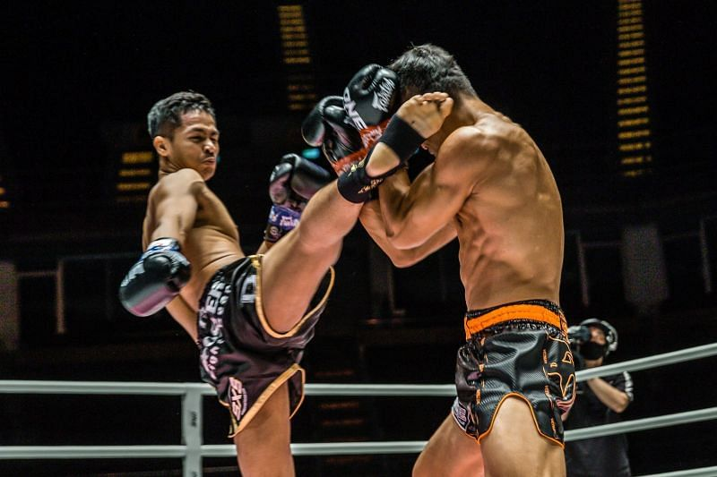 Superbon prevails over Sitthichai Sitsongpeenong in their trilogy battle during ONE Championship: No Surrender