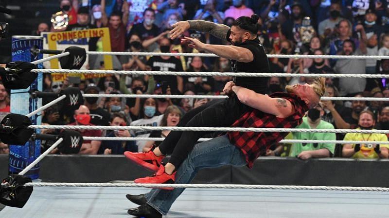 WWE यूनिवर्सल चैंपियन रोमन रेंस को मिली हार