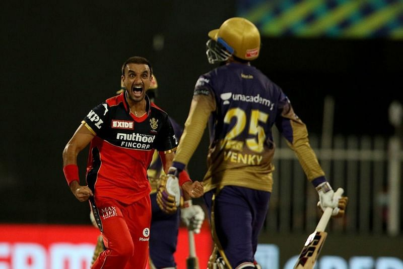 वेंकटेश अय्यर को आउट करने के बाद हर्षल पटेल (Photo Credit - IPLT20)