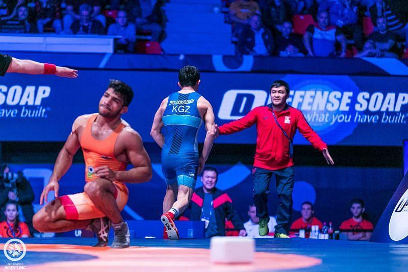Ravinder missed on bronze medal in 61kg. (©UWW)