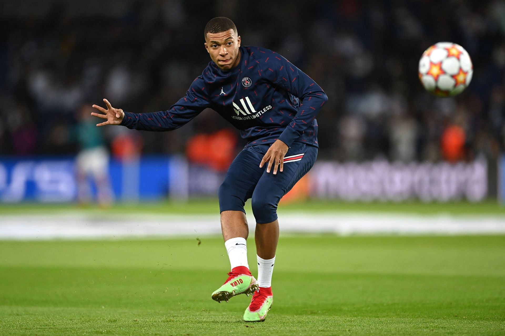 Real Madrid remain interested in luring Kylian Mbappe from PSG