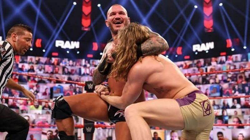 WWE Raw में RK-Bro को डेब्यू के बाद से ही काफी सफलता मिली