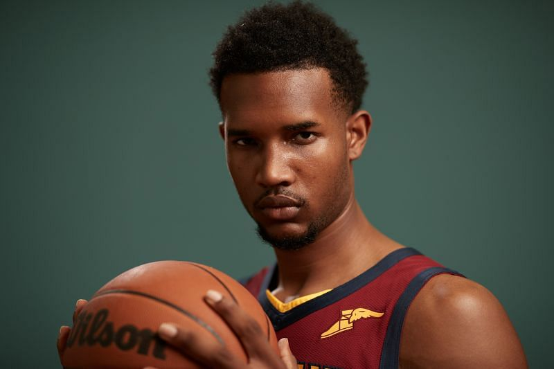 What will the role of Evan Mobley look like in the beginning?
