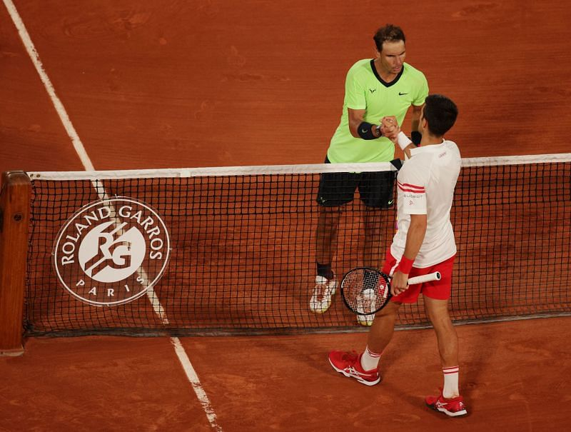 Rafael Nadal (L) and Novak Djokovic at the 2021 French Open