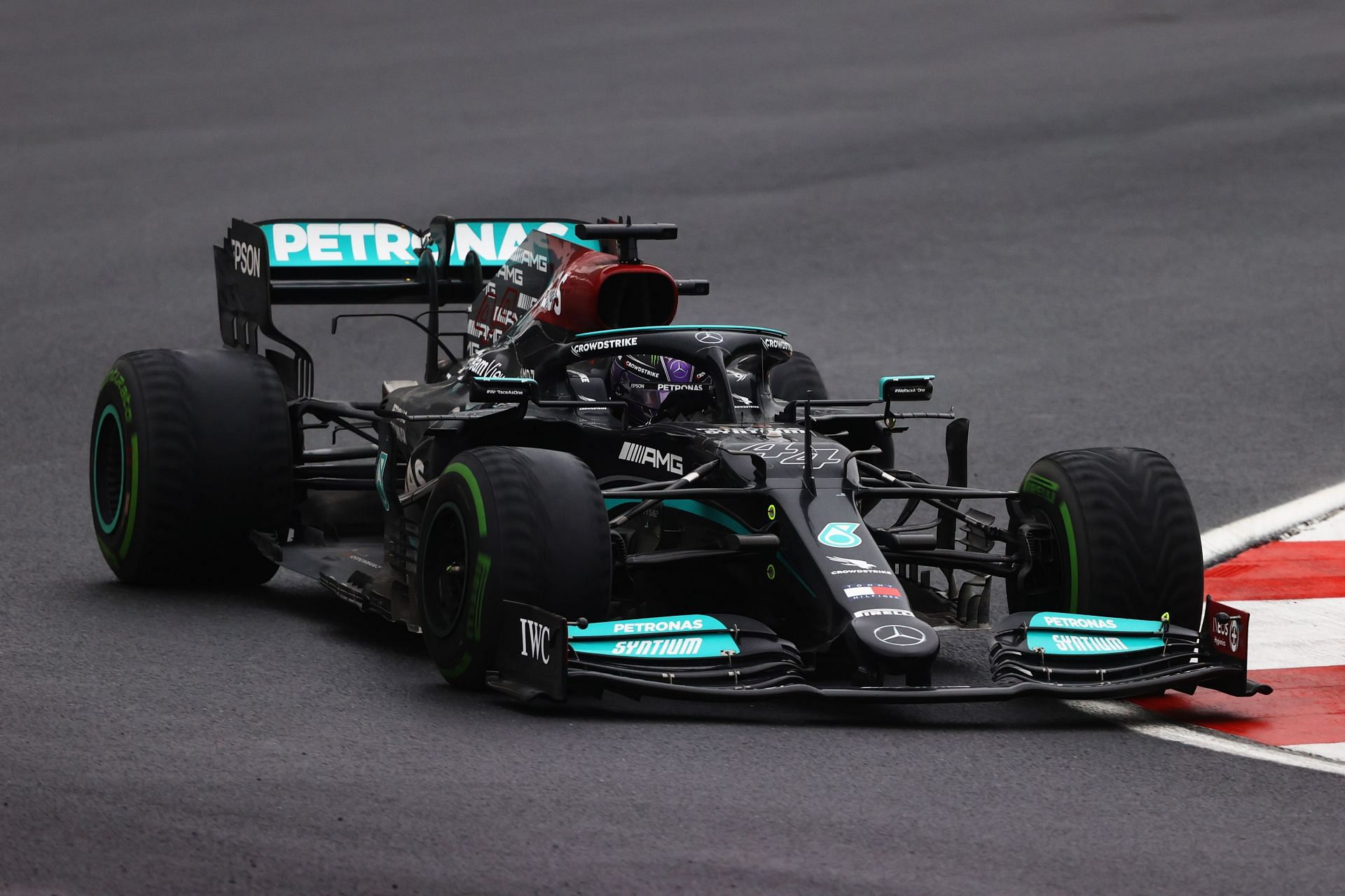 Lewis Hamilton driving the Mercedes W12 during the 2021 Turkish Grand Prix at Intercity Istanbul Park. (Photo by Bryn Lennon/Getty Images)